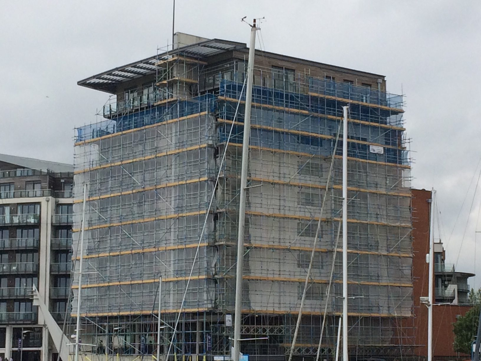Ocean-village-scaffolding
